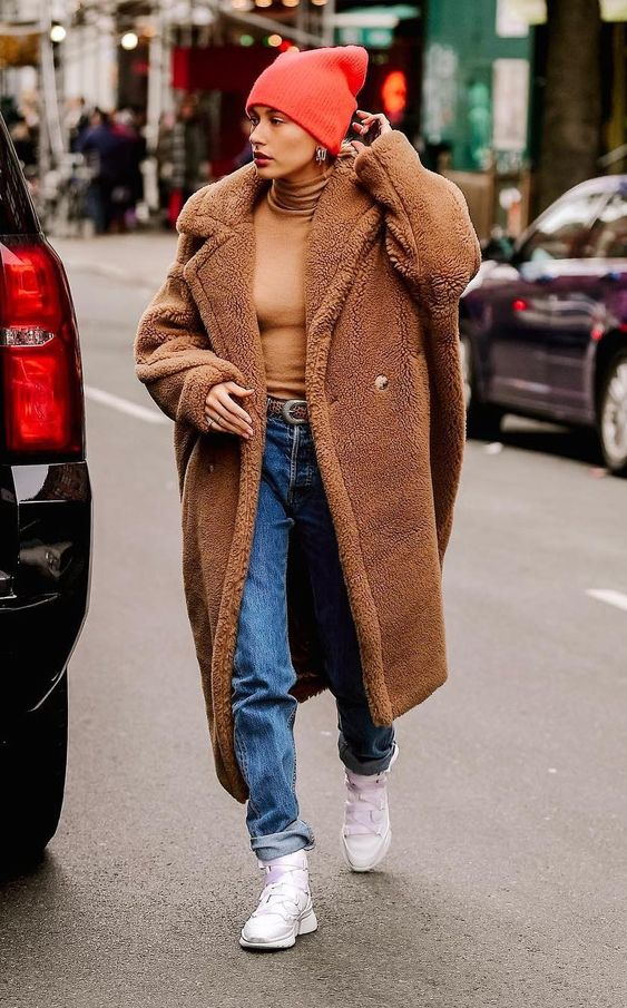 Teddy bear coat with jeans #winteroutfits #winterfashion