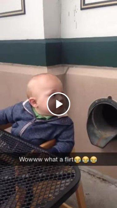 Bebê Gosta Das Novinhas