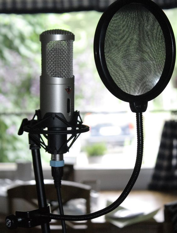 Enjoyable Set Up A Home Recording Studio On The Cheap Tech News And Largest Home Design Picture Inspirations Pitcheantrous