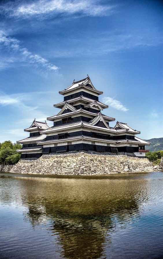 "500px / Photo ""Matsumoto Castle, Japan"" by Neil Nimkar"