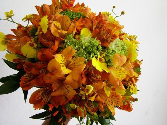 Resultados da Pesquisa de imagens do Google para http://2.bp.blogspot.com/_0nEjq78cG5s/TTypq0MIc1I/AAAAAAAAAM8/KXetLE_wzHc/s1600/alstroemarias-hortensias-e-orquidea-oncidium.jpg