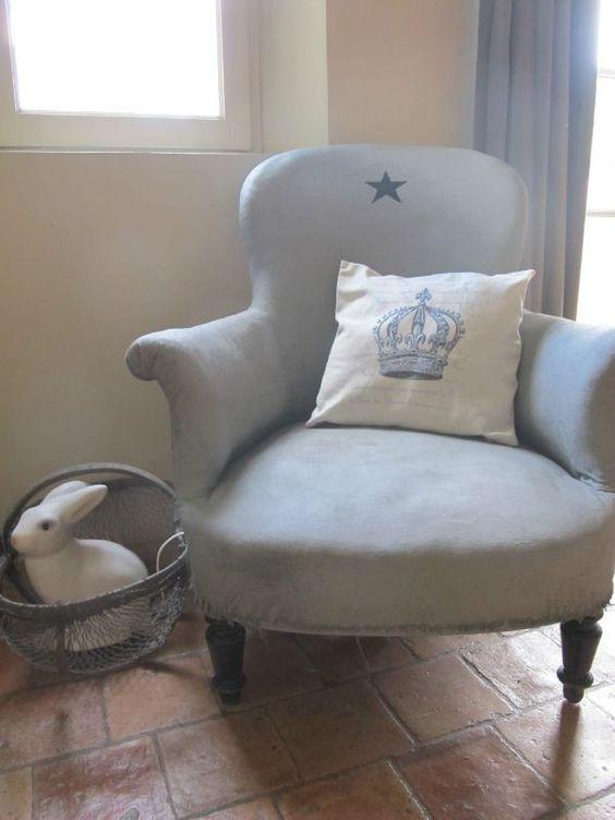 repeindre un fauteuil en tissu tapisserie pinterest