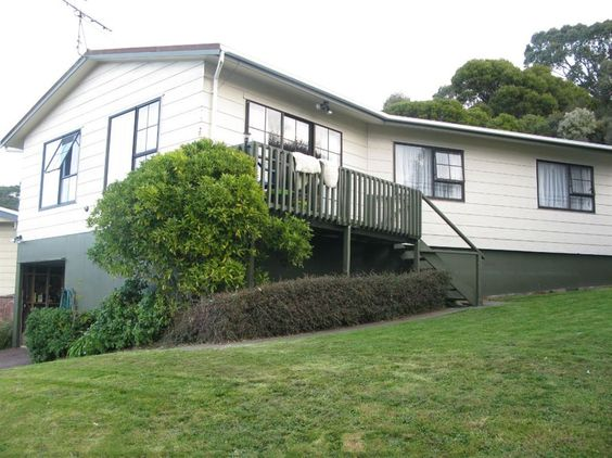 20 Parkinson Close, Whitby - SOLD  Andy Cooling 0800 468738  www.teamcooling.co.nz