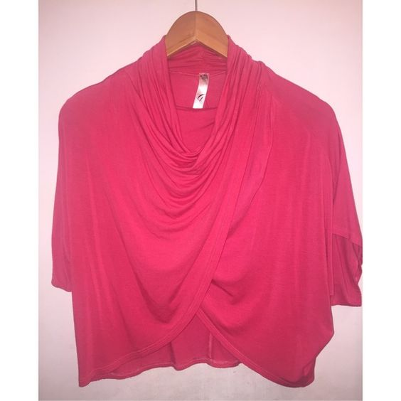 NEVER USED, pink top NEVER USED, pink top.                                                                  Fast shipper  Accept reasonable offers  I do bundle discounts too                                 No trades Tops