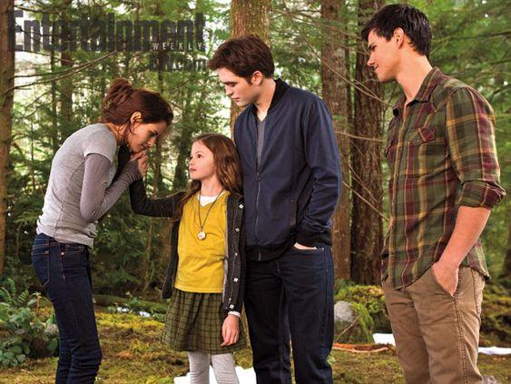 Breaking Dawn Part 2, Kristen Stewart, Mackenzie Foy, Robert Pattinson and Taylor Lautner