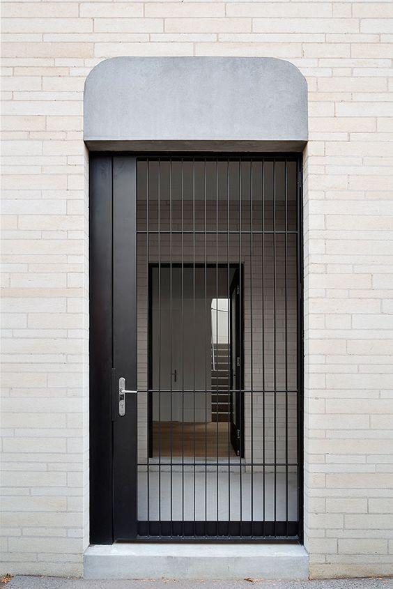 Puerta de entrada de reja