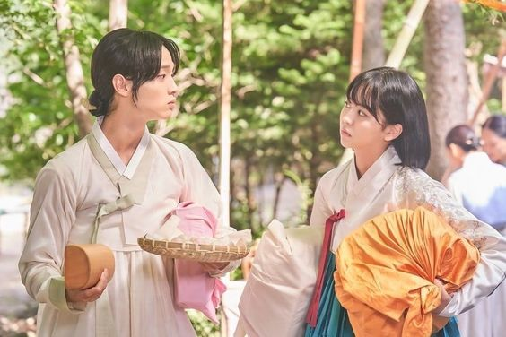 "Jang Dong Yoon And Kim So Hyun Bicker And Bond In ""The Tale Of Nokdu"""