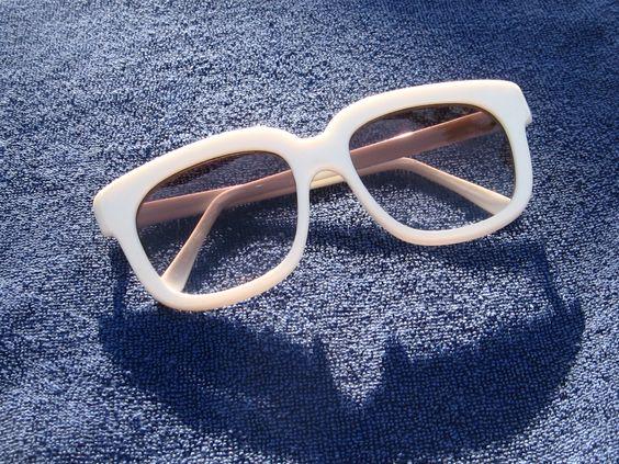 CLASSICS- White Sunglasses vintage 1969