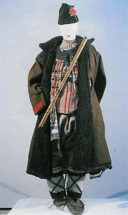 костюм на човека, втората половина на 19 век, село Бяла, област Сливен.  (NEM):