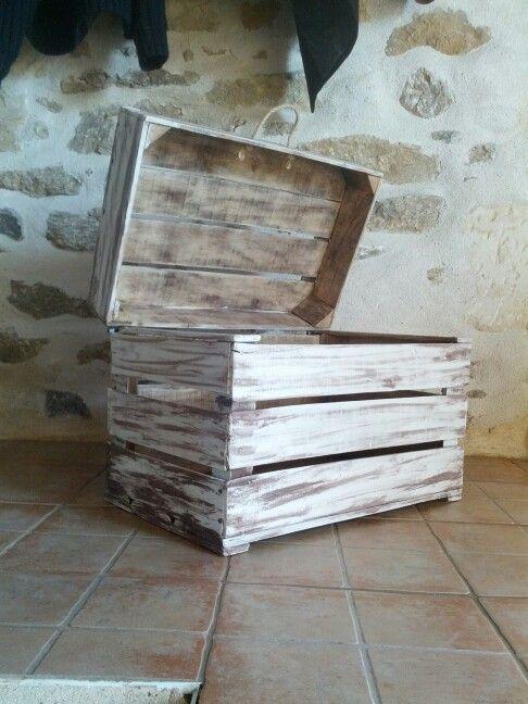 Coffre avec caisse a pomme peinture effet - Peinture bois effet vieilli ...
