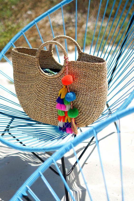 30 of this season's must have beach bags perfect for your next vacation!