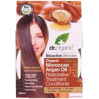 Moroccan Argan Oil hair treatment conditioner - Actie: 2e halve prijs op Dr. Organic | De Tuinen Een bioactieve haar- en hoofdhuid behandeling die direct de keratinevezels van het haar omhult, met voedende fosfolipiden en essentiële vetzuren. Het werkt sterk hydraterend en herstellend. Deze behandeling verhoogt de natuurlijke kracht van het haar en beschermt tegen afbreken van het haar en help vocht vast te houden bij beschadigd, futloos, droog en pluizig haar.