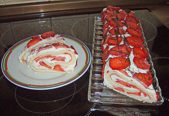 Geheime Rezepte: Erdbeer-Sahnerolle