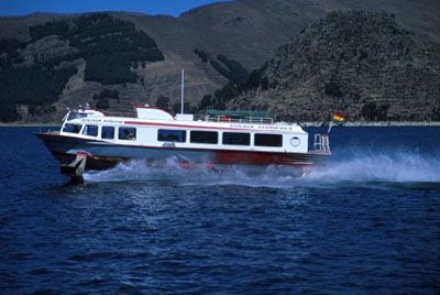 Some travelers crossing the border between Peru and Bolivia may prefer a hydrofoil tour package crossing Lake Titicaca.