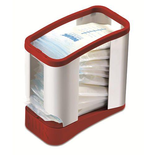 La marca Nuk ofrece un neceser muy práctico con cierre para el correcto almacenamiento de las bolsas en el congelador. Muy pronto nosotros, lo venderemos.