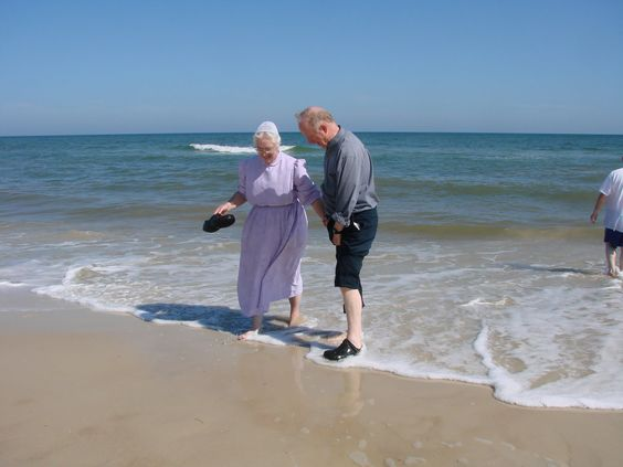 I love this, you never outgrown your love for the beach.  Priceless!!!