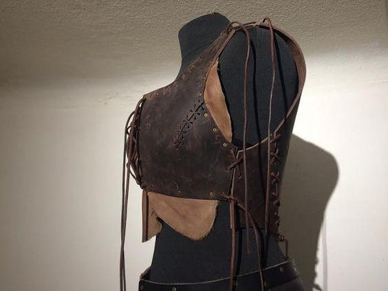 Armor with Dragon Bodice brown Woman Leather von Elbengard auf Etsy