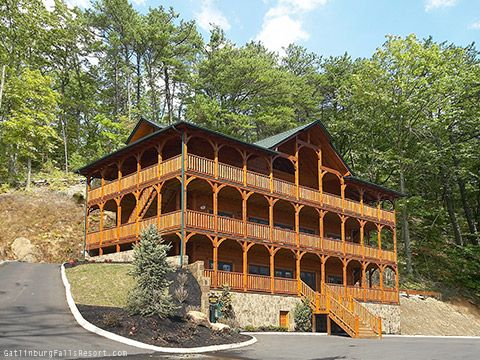 Mansions sleep and love on pinterest for Www cabins of the smoky mountains com