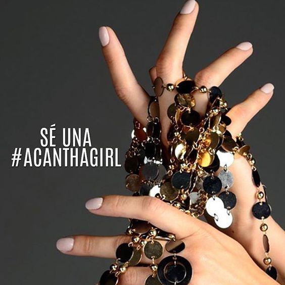 Ser una #AcanthaGirl es muy sencillo. Cuéntale a tu manicurista cómo lograr que durante 21 días sus clientes permanezcan con las uñas arregladas y haz que crezca su negocio.  #AcanthaLover #notd #nails #bling #manicure #glitter #silverglitter #manimonday #pretty #nailart #mani #polish #glam #rednails #beautyblogger #instabeauty