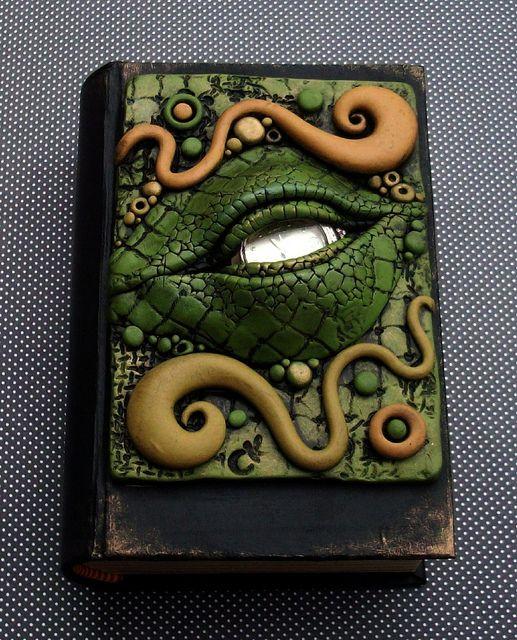 Dragon Eye Book Box, via Flickr. By Mandarin Moon.  Love the dragon eye