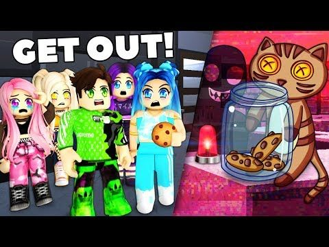 Roblox Family There S A Thief In Our Mansion Youtube Roblox Roblox 2006 Thief