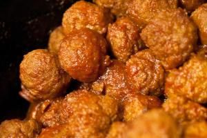 Barbecue Meatballs - stevendepolo/Flickr/CC BY 2.0