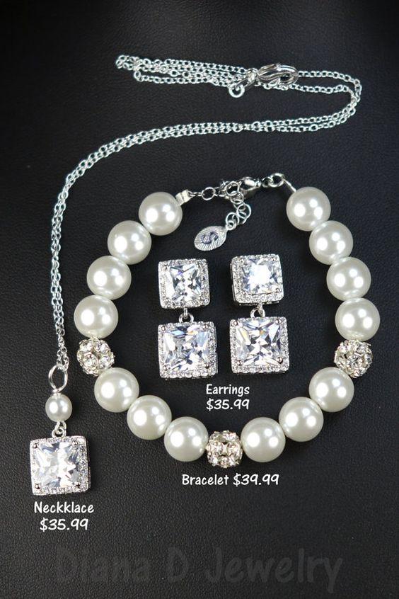 Crystal Bridal earrings Pearl Wedding by thefabbridaljewelry