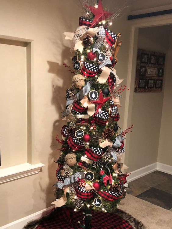 DIY Buffalo Check Pillow   Christmas