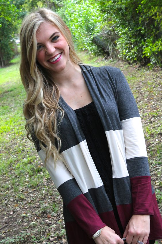 Perfect little cardigan for the winter! Loving the color-blocking. http://www.sidelinesass.com/collections/outerwear