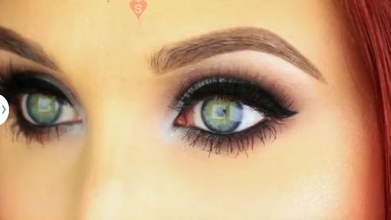 Jaclyn Hill: Classic cool-toned smokey eye. This is my go-to <3