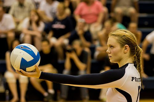 Overhand Serve Volleyball Tips To Score Points And Aces In Volleyball Volleyball Tips Volleyball Olympic Gymnastics