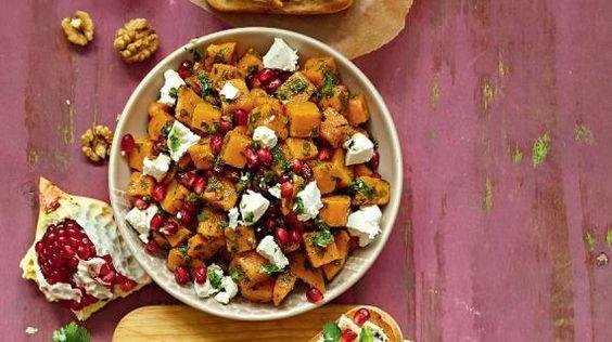 Теплый салат из сладкого картофеля с гранатами, пошаговый рецепт с фото