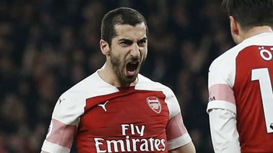 Sokratis Calls On Arsenal To Win Europa League For Absent Mkhitaryan Europa League League Arsenal