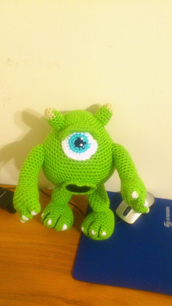 Amigurumi En Monsters : Mike Wazowski ( Monster INC) Amigurumi ~ Patron Gratis en ...