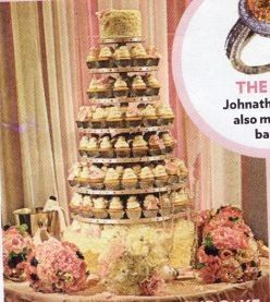 carrie underwood wedding cake picture carrie underwood s cupcake tower my wedding cake 12411