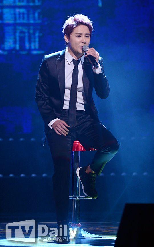 Junsu performing 'Yesterday' & 'OeO' at 2015 Korean Popular Culture & Arts Awards ❤️ JYJ Hearts