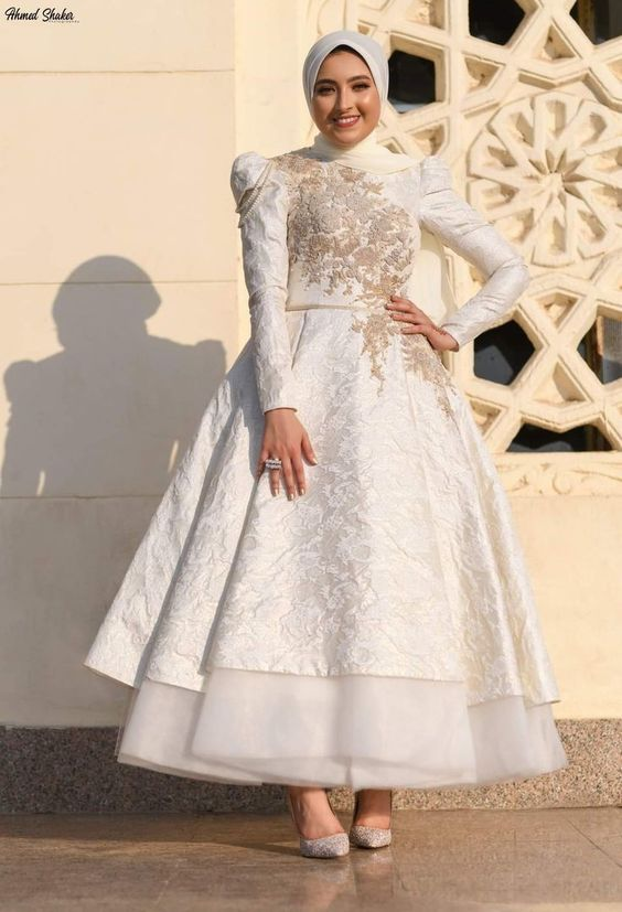 اناقه العروس في يوم الزفاف bc4a0c64027163564851bf733e445b77.jpg