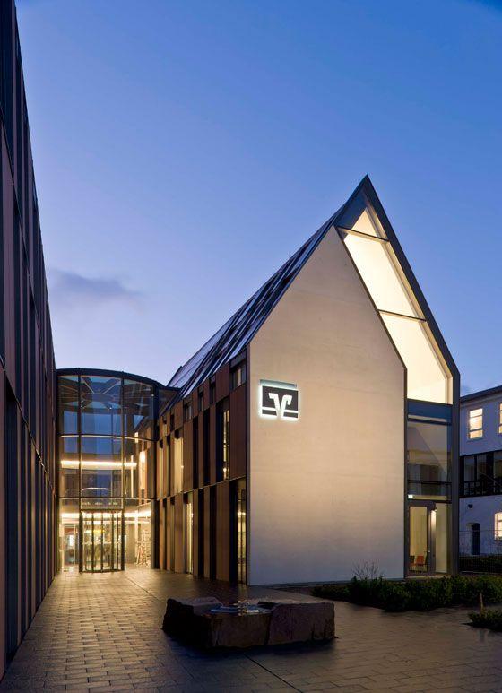 Cultural Form, transformed. Varying degrees of legibility. volksbank gifhorn by stephan braunfels architekten