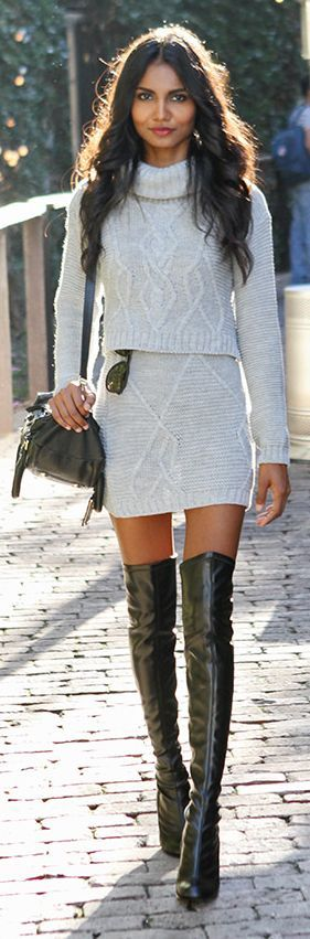 Street style |Turtle neck sweater with crochet skirt and over the knee boots