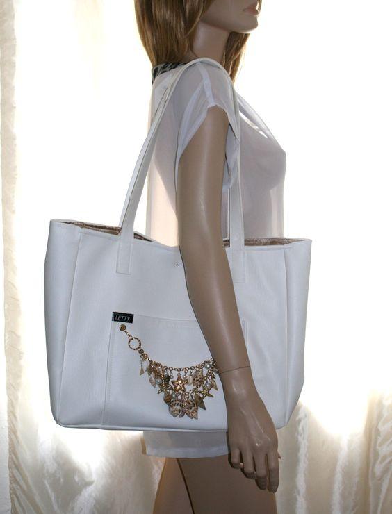 Kunstleder Strandtasche / Shopper / Tasche, perlweiß & gold mit Muschelgette, Dawanda