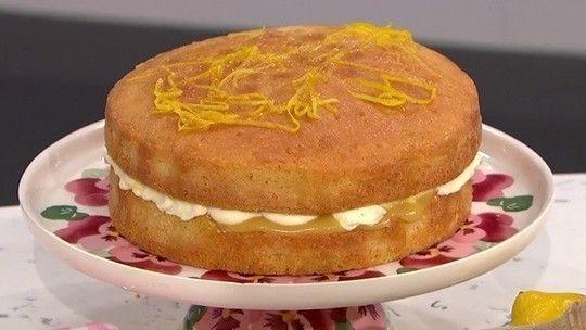 Juliet Sear S Lemon Drizzle Layer Cake Food This Morning Lemon Drizzle Drizzle Cake Food