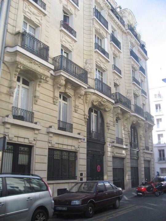 Jim Morrison. Rue de Beautreillis 17, Paris.