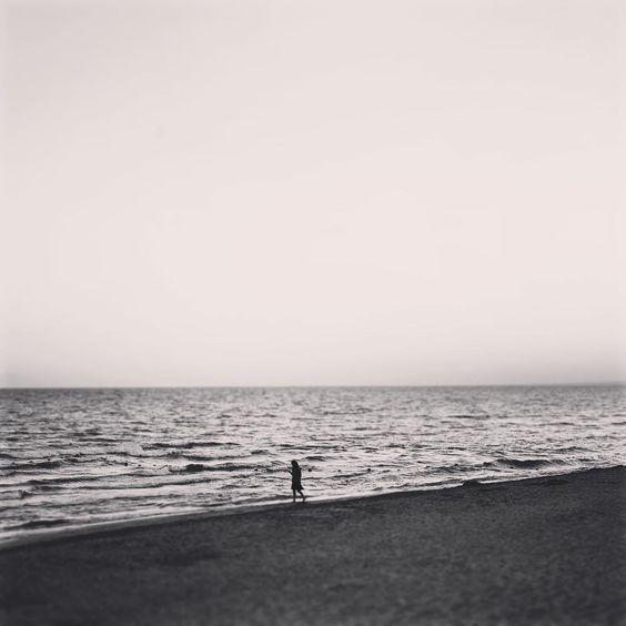 Наедине #facetoface #with #the #sea #alone #in #private #me #myself #and #i #black #mindset #thoughts #thinking #siluet #girl #bw #bnw #monochrome #photography #наедине #море #черноеморе #я #мысли #силуэт #девушка #чб #фото