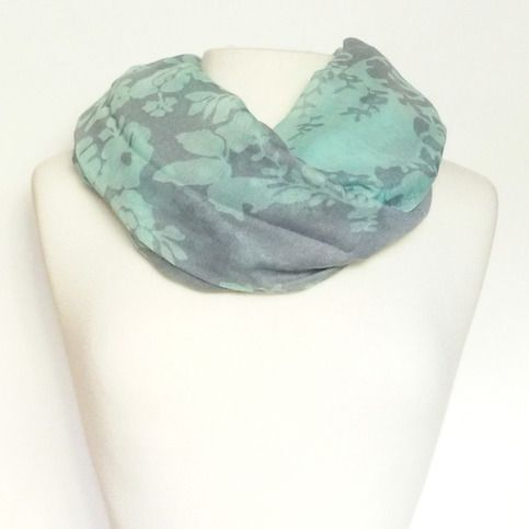Contrast Floral Infinity Scarf | Lemon Drop Boutique
