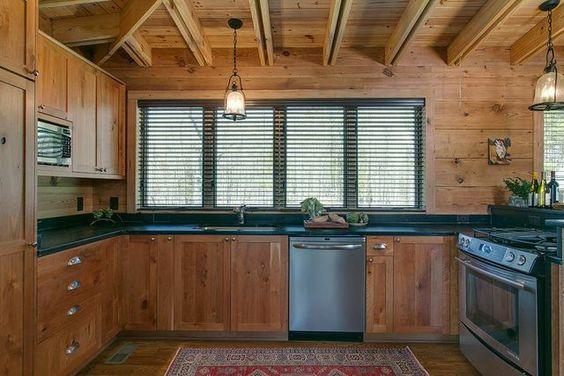 Carole Hollowell Interior Design