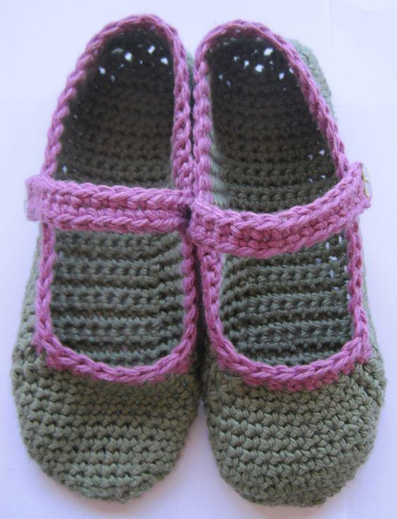 Free Crochet Pattern To Make Slippers : Free pattern for crocheted Mary-Jane slippers Free ...