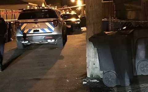 3 Dead 16 Wounded In Chicago Weekend Shootings News Break