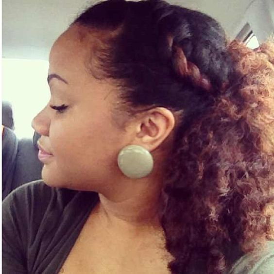 So cute. Love it when a highlight works like this. Curly hair