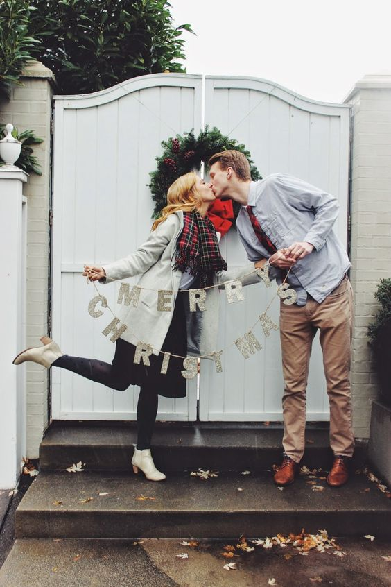 This is one of the CUTEST couples Christmas picture I have ever seen!