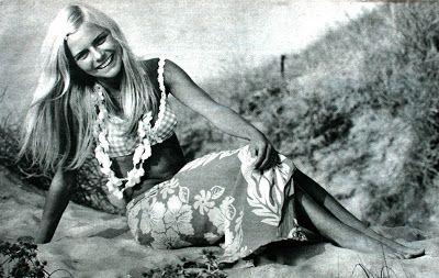 France Gall, 1968. 60s beach style.: